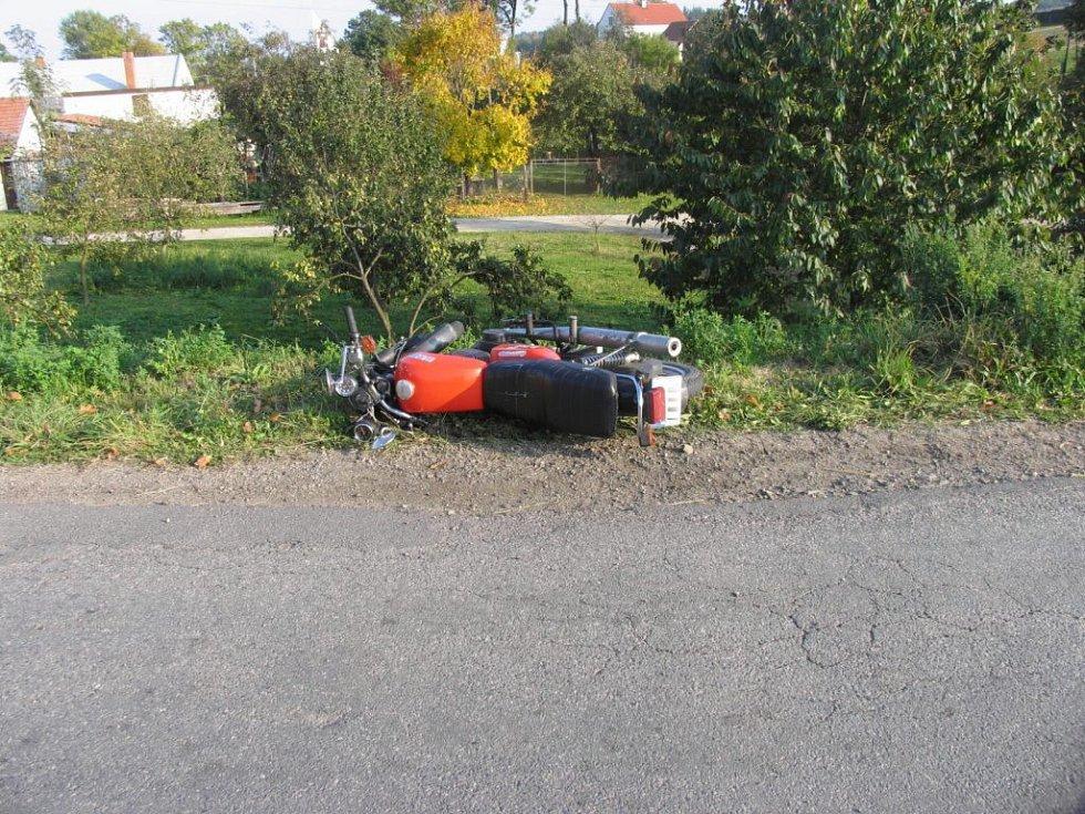 U Horní Libochové zemřel šestnáctiletý motorkář.