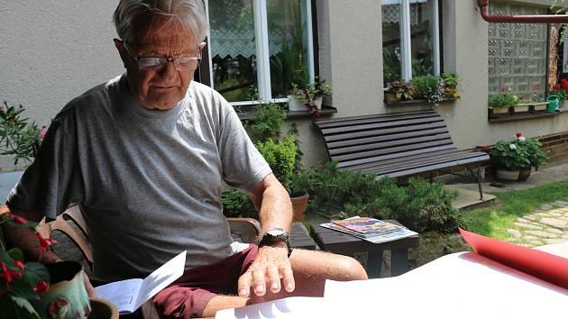 Oldřich Pojezný (na snímku) je správcem hydrometeorologické stanice už dvacet let.