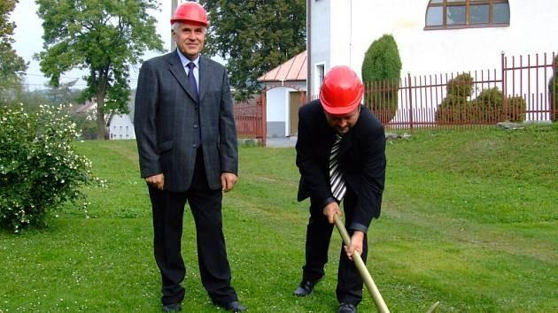 Josef Macek (vlevo) už nechtěl být starostou Vojnova Městce.