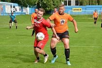 Fotbalisté Křižanova (v oranžových dresech) se v letním přípravném období vesměs utkávali s mančafty z nižších krajských soutěží.