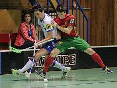 Snipeři (v bílém) museli v zápase proti Horní Suché dotahovat. Třebíčským se podařilo zápas otočit ve třetí třetině.
