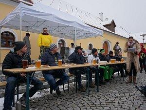 Jedlík Jaroslav Němec byl nejrychlejší v konzumaci půl bochníku chleba