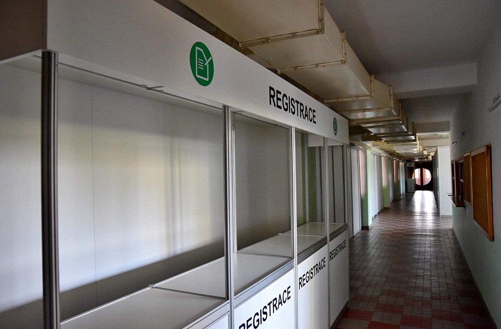 Od pátku začne fungovat očkovací centrum i ve žďárské sportovní hale na Bouchalkách.