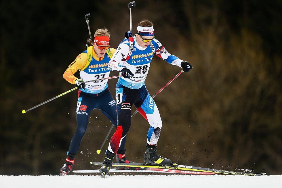 Jakub Štvrtecký v závodu Světového poháru v biatlonu - stíhací závod mužů na 12,5 km.