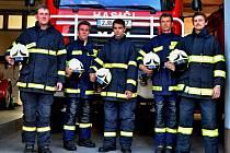 Hasiči ze Sněžného potřebují pomoc veřejnosti. V anketě Dobrovolní hasiči roku sbírají hlasy pro svůj zásah, při kterém zachraňovali tonoucí na Milovském rybníku.