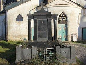 Příští rok u kostela na Zelené hoře zbude jen jeden hrob