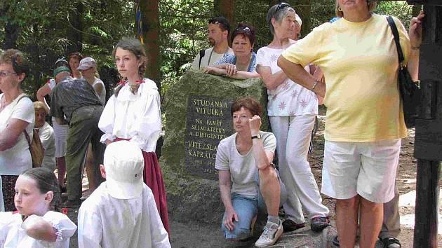 Tradiční Otvírání studánek se koná nedaleko obce Tři Studně v sobotu 28. května od 14 hodin.