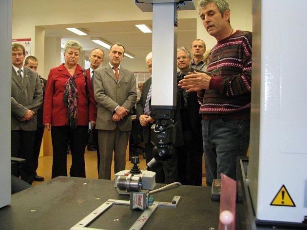 Laboratoř metrologie otevřeli ve Střední škole technické ve Žďáře nad Sázavou