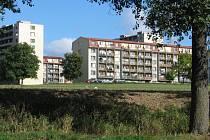 Bystřice má ve svém bytovém fondu více než osmnáct stovek bytů domy postupně revitalizuje. V původním stavu jich zbývá už jen několik, a to v dolní části sídliště 2.