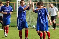 Fotbalisté Bystřice si vynahradili smolný středeční zápas s Hodonínem, ve kterém ztratili už tříbrankové vedení, a včera zvítězili na hřišti Pelhřimova, kterému tak oplatili stejně vysokou porážku z podzimního domácího zápasu.