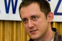 Teprve třicetiletý Michal Kubal už zažil zajetí v Iráku, stal se držitelem ceny Příběh uprchlíka (1999) a Novinářské křepelky (2003) za zpravodajství z Iráku.