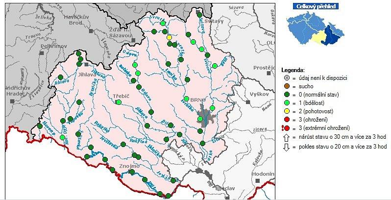 Stav vody v povodí Moravy.  Žlutý symbol znamená 2. povodňový stupeň. Světle zelený symbol znamená 1. povodňový stupeň.Tmavě zelený symbol znamená normální stav.