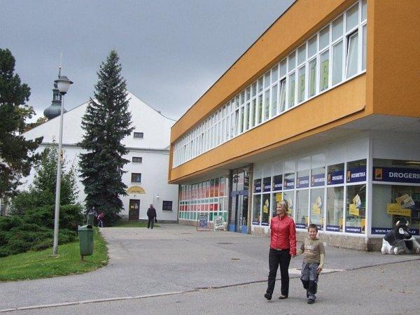 Nákupní středisko, Nové Město na Moravě