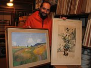 Nabízené obrazy jsou díla regionálních malířů.