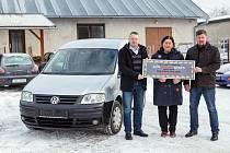 Pár dní před vánočními svátky dostala obecně prospěšná společnost Portimo nečekaný vánoční dárek. Společnost Auto Holubka CZ věnovala pro potřeby sociálních služeb a programů ojetý osobní vůz VW Caddy.