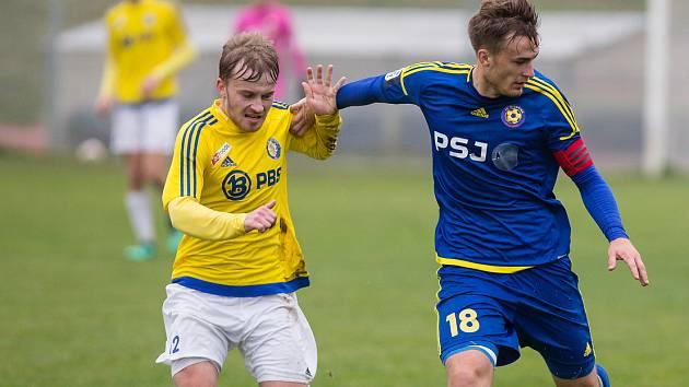 Vstup do nového divizního ročníku se hráčům Velké Bíteše (ve žlutých dresech) vydařil.