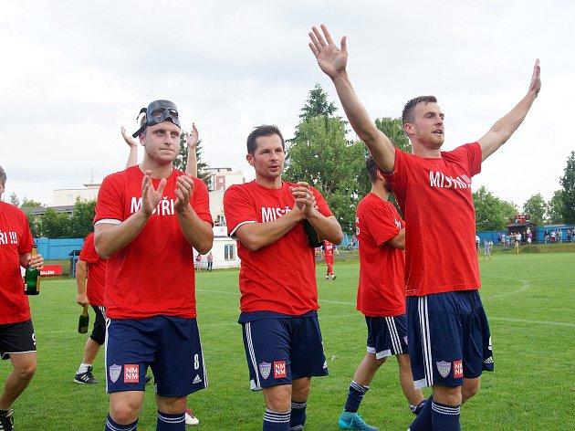 Fotbalisté Vrchoviny (na snímku) v neděli vysokou výhrou nad Třebíčí potvrdili, že jejich letošní triumf v moravskoslezské divizi D nebyl náhodný. MSFL bude Novému Městu slušet.