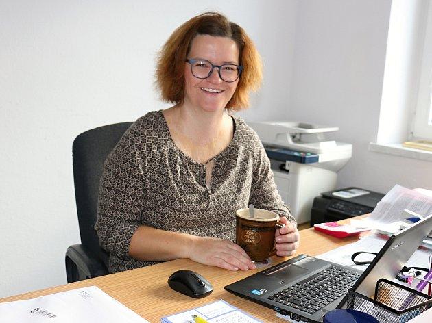 Jana Lacinová je spoluzakladatelkou organizace Popálky.