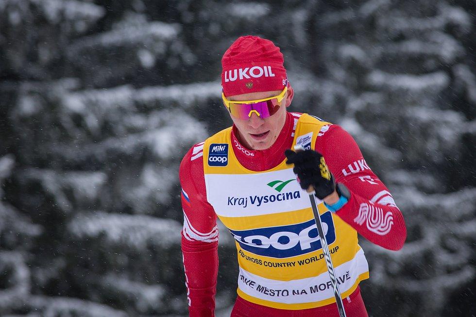 Ohlédnutí za Zlatou lyží 2020. Alexandr Bolšunov ve stíhacím závodu mužů na 15 km klasicky v rámci Světového poháru v běhu na lyžích.