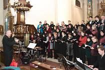 Vánoční koncerty smíšeného pěveckého sboru Svatopluk ze Žďáru nad Sázavou jsou vyhlášené.