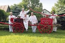 Škrdlovičtí dobrovolní hasiči se mohou chlubit historickou stříkačkou vyrobenou v roce 1891. Svou historickou výbavu přiveze na sobotní závody do Škrdlovic na dvacet družstev z Česka i ze zahraničí.