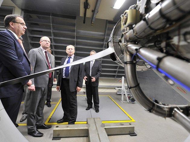 První brněnská strojírna (PBS) ve Velké Bíteši investovala do rozšíření své slévárny 80 milionů korun. Premiér Bohuslav Sobotka ji společně s ministrem průmyslu a obchodu Janem Mládkem 3. července slavnostně otevřeli.