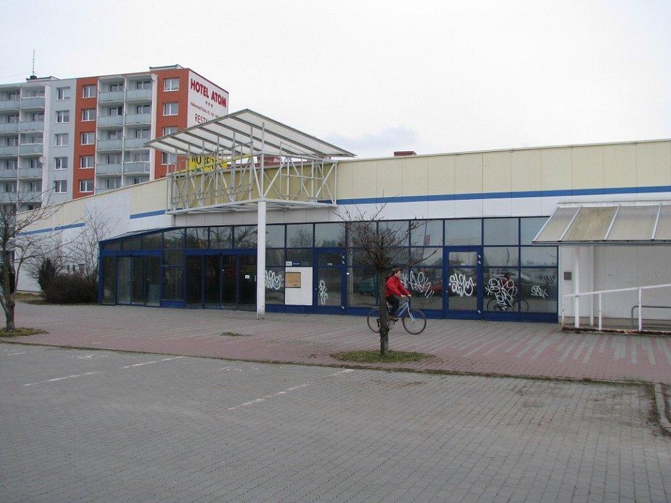 Bývalá prodejna Hypernovy v Třebíči