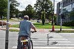 I v době, kdy je doprava nejklidnější, je na křižovatkách ve Žďáře rušno.