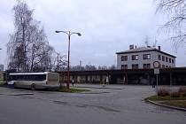 Oprava autobusového nádraží vyjde na zhruba 2O milionů korun. Město chce na tuto akci získat dotaci.