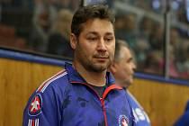 Hokejový trenér Martin Sobotka vede od nové sezony nováčka první ligy ze Šumperku. Tomu start příliš nevyšel, ale před vynucenou pauzou se zvedl.