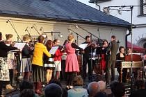 Vážnou hudbu do centra Nového Města na Moravě přináší každoročně Novoměstské Slunohraní. Příznivci této kulturní akce se mohou těšit na další ročník, který finančně podpořila i novoměstská radnice.