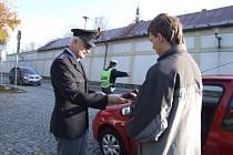 Pětatřicet řidičů ve středu zkontrolovali policisté ve Žďáře.