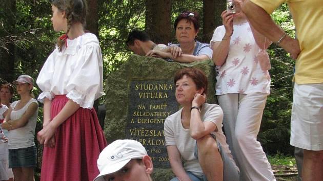 Lesní studánky Barborka a Vitulka: slavnost otevírání až za rok