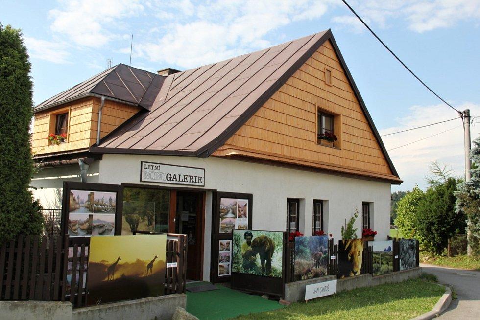 U Letní Minigalerie vyroste středověký stan.