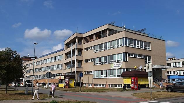 Lékařská pohotovostní služba zatím funguje v budově žďárské polikliniky.