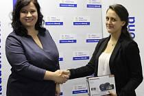 Celostátní soutěž na téma dopravní bezpečnosti vyhrála studentka Lenka Roučková ze Žďáru nad Sázavou.