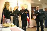 28. října uplynulo 90 let od vzniku samostatného Československa. U příležitosti tohoto výročí se konala ve žďárském Regionálním muzeu vernisáž výstavy Čas velkých nadějí. Návštěvníky na ní svým zpěvem přivítala vokální skupina Fons.