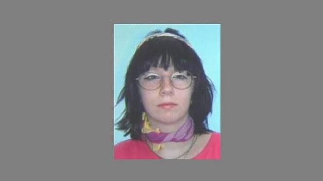 Po sedmnáctileté Erice Vytlačilové pátrají již několik dní policisté. Děvče bylo naposledy viděno v pondělí 28. listopadu odpoledne v Bystřici nad Pernštejnem.