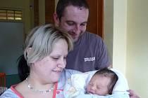 Jedním z 809 dětí, které v loňském roce přišly na svět v novoměstské porodnici, byl i Jan Jurnečka ze Čtyř Dvorů. Narodil se  5. ledna 2014, vážil 3230 gramů, měřil 51 centimetrů a na snímku je se svými rodiči Lenkou a Janem.