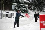Ze sněhové nadílky se radovaly zejména děti. A také lyžaři, kteří s nadšením využili příznivých sněhových podmínek.