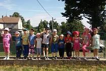 Budova bývalé školy v Heřmanově bude sloužit potřebám komunitní školy Heřmánek. Už o prázdninách se v ní uskutečnil příměstský tábor. V budoucnu bude k dispozici pro školy v přírodě nebo i rekreaci.