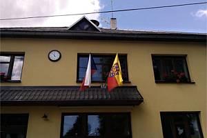 Moravská vlajka v Křižánkách.