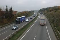 Dálnice D1 u Velkého Meziříčí.