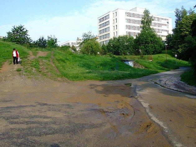 Nánosy bahna po prudkých deštích ve Žďáře.