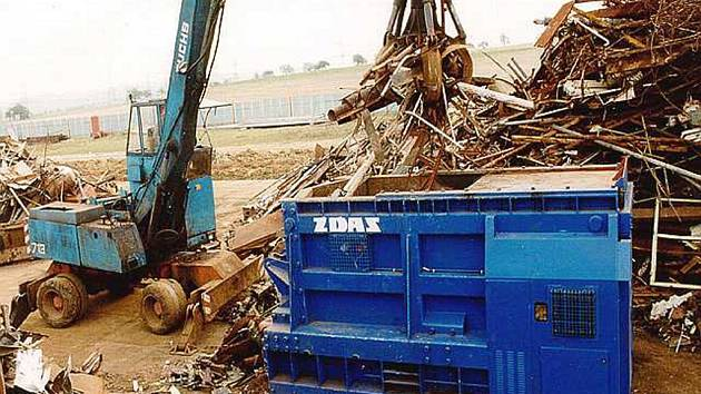 Stý kus kontejnerových nůžek CNS–K ve firmě Žďas je již v provozu.