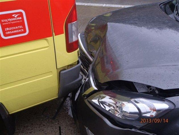 Nehoda na dálnici D1, kde bourala i sanitka.