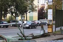 Z důvodu rekonstrukce nástupiště a výměny čekárny musela být přesunuta zastávka MHD Studentská (směr TOKOZ) cca o 40 m dále směrem k Vodárenské akciové společnosti.