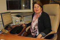 Dagmar Zvěřinová sledovala výsledky senátních voleb ve své kanceláři ve žďárské radnici.