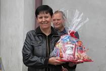 Lenka Kellerová vyhrála kuchařskou soutěž o nejchutnější guláš. Tu v Herálci pořádali v sobotu 9. srpna místní dobrovolní hasiči již potřetí.