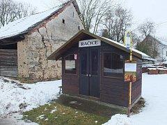 Račice jsou malá obec na Novoměstsku, kde žijí čtyři desítky obyvatel.